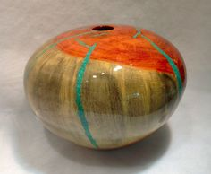 Confused turned wooden vase by Robert Cherry Wooden Vase, Wood Turning, Confused, Art Decor, Cherry, Carving, Hands, Jewels, Eye