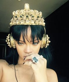 Rihanna Dolce Gabbana Frends gold crown headphones