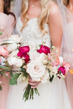 Wedding bouquet idea; Featured Photographer: Anna K Photography