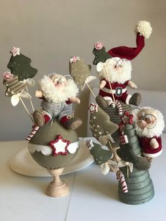 me ~ Natale 2018 Sewn Christmas Ornaments, Christmas Sewing, Christmas Fabric, Christmas Love, Santa Crafts, Christmas Crafts, Christmas Decorations, Holiday Decor, Christmas Quilt Patterns