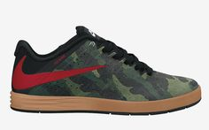 Here is a look at the latest colorway release from the Nike SB P-Rod Citadel range. For the release, the Paul Rodriguez signature sneaker is rocking a camo Mens Skate Shoes, Shoes Sport, Nike Skateboarding, Sneaker Magazine, Nike Sb, Sports Equipment, Sport Outfits, Camo, Trainers