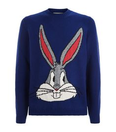Gucci Bugs Bunny Guccy Jumper In Blue Fashion Show Invitation, Bugs Bunny, Gold Print, Gucci Men, Blue Wool, Looney Tunes, Sweater Outfits, Cartoon Characters, Childhood Memories