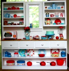 Red and Aqua love - Rement kitchen by ellabellasmommy2004, via Flickr