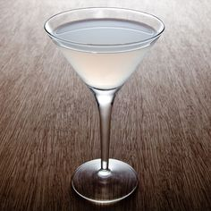 Tequila Daisy  .5 oz Fresh lemon juice  .5 tsp Superfine sugar  2 oz Partida Reposado Tequila  .5 oz Grand Marnier  Club soda