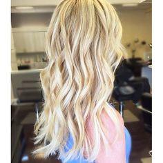 Gold Blonde Hair Days. Color by @corynneylon_hair  #hair #hairenvy #hairstyles #haircolor #blonde #goldblonde #highlights #balayage #newandnow #inspiration #maneinterest