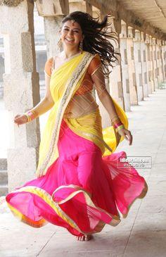 Hansika Motwani Hot Sexy Navel Photos In Half Saree Photos South Indian Actress Hot, Indian Actress Hot Pics, Most Beautiful Indian Actress, Beautiful Actresses, Beautiful Blonde Girl, Beautiful Girl Photo, Beautiful Asian Girls, Dehati Girl Photo, Saree Photoshoot