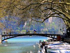 Pont des Amours. Dix minutes de bonheur à Annecy !
