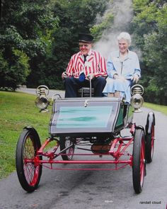 Steam Car ...  =====>Information=====> https://www.pinterest.com/Katieboots29/motorcars/