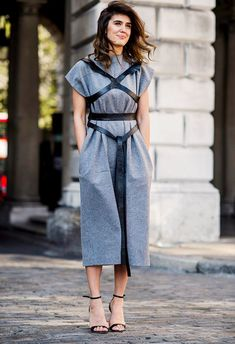 Look dété : Grey jumpsuit black harness black strappy heels 5 Shades Of Grey, 50 Shades, Fashion Models, Fashion Trends, Net Fashion, Street Fashion, Mode Sombre, Looks Style, My Style