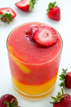 Mango Smoothie - this recipe only calls for 3 ingredients and can be ready in 5 minutes! Treat yourself to one TODAY.Strawberry Mango Smoothie - this recipe only calls for 3 ingredients and can be ready in 5 minutes! Treat yourself to one TODAY. Strawberry Mango Smoothie, Mango Smoothie Recipes, Apple Smoothies, Smoothie Drinks, Healthy Smoothies, Healthy Drinks, Healthy Snacks, Healthy Recipes, Simple Smoothie Recipes