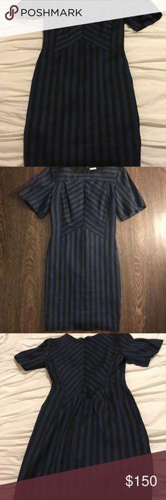 Rebecca Minkoff Dress Short Sleeve zipper in back-Excellent Condition Rebecca Minkoff Dresses Midi