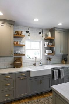 Lovely Cottage Kitchen Design And Decor Ideas - cottage kitchens Modern Kitchen Cabinets, Kitchen Layout, Kitchen Ideas Color, Soapstone Kitchen, Kitchen Colour Schemes, Copper Kitchen, Kitchen Sinks, Kitchen Counters, Kitchen Modern