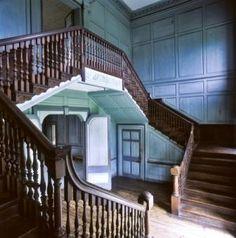 Drayton Hall interior staircase