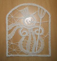 Bobbin lace - Snowman Bobbin Lace Patterns, Crochet Patterns, Bobbin Lacemaking, Lace Art, Irish Lace, Lace Making, Simple Art, Lace Design, String Art