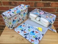 Diy Crafts - Fox diaper bag, gift for new parents, nappy bag organizer, diaper clutch with clear zipper pouch, grey diaper purse Best Diaper Bag, Baby Diaper Bags, Nappy Wallet, Diaper Bag Organization, Baby Wipe Case, Stroller Bag, Diaper Clutch, Diy Bebe, Baby Sewing Projects