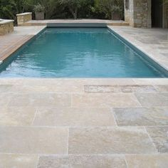 ideas patio pavers pool for 2019 Pool Paving, Swimming Pool Tiles, Concrete Pool, Pool Landscaping, Small Backyard Pools, Pool Decks, Outdoor Pool, Stone Patio Designs, Pool Designs