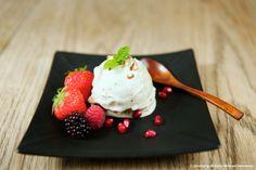 """Sund dessert - vanilje """"is"""". http://www.planterig.dk/sund-dessert-vaniljeis/"""