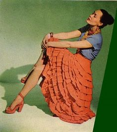 Dear Empress Giveaway: Can Lower Figures wear Colorful Skirts? Cuba Fashion, 1940s Fashion, Look Fashion, Vintage Fashion, Classic Fashion, Ladies Fashion, Womens Fashion, Fashion Ideas, Salsa Outfit
