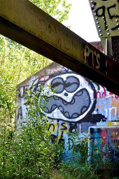 Graffiti bridge/Tok