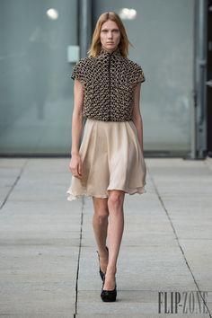 Iris van Herpen Spring-summer 2015 - Ready-to-Wear - http://www.flip-zone.net/fashion/ready-to-wear/independant-designers/iris-van-herpen-5095 - ©PixelFormula
