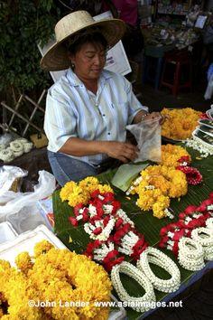 thai flower market | Thai Garlands at Pak Khlong Flower Market | Flickr - Photo Sharing!