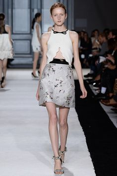 Giambattista Valli Spring 2015 Ready-to-Wear - Collection - Gallery - Look 7 - Style.com