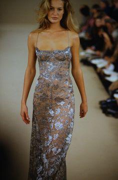 Fashion Week, 90s Fashion, Runway Fashion, High Fashion, Fashion Show, Fashion Outfits, Fashion Design, Grad Dresses, Ball Dresses