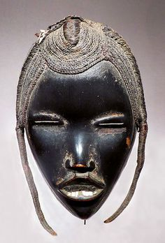 Mask go Ge Dan, western Côte d'Ivoire early twentieth century. Wood, metal, plant fibers and hair - 26 x 14 cm © Dandrieu - Giovagnoni, photo gallery of the Archives. Afrique Art, Art Tribal, African Sculptures, Art Premier, Beautiful Mask, Masks Art, African Masks, Indigenous Art, Aboriginal Art