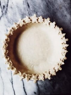 Style pie crust with extra-virgin olive oil.Italian Style pie crust with extra-virgin olive oil. Olive Oil Pie Crust Recipe, Pie Dessert, Dessert Recipes, Pastries Recipes, Baking Recipes, Kouign Amman, Pie Crust Recipes, Pie Crusts, Pie Crust Designs