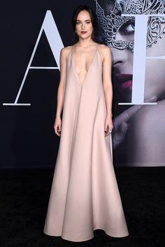 Dakota Johnson Valentino 2017, Дакота Джонсон в Valentino 2017