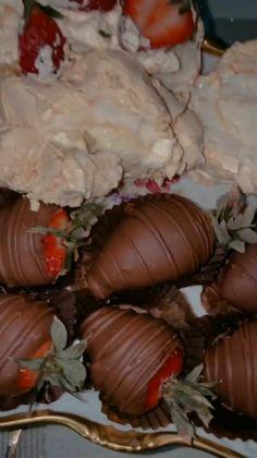 Red Bull Drinks, Afghan Food Recipes, Food Vids, Strawberry Rhubarb Pie, Food Truck Design, Ideas For Instagram Photos, Snap Food, Food Snapchat, Date Dinner