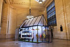 Hunter opens pop-up in Grand Central Terminal, New York (Retail Focus -The industry leading magazine and website for retail design news, projects and opinions. - Retail Focus - Retail Design and Visual Merchandising) Visual Merchandising, Mouton Cadet, Modern Greenhouses, Event Marketing, Business Marketing, Email Marketing, Content Marketing, Internet Marketing, Digital Marketing