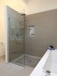 Attraktiv Mooie Rustige Badkamer In Taupe. Badezimmer Waschbecken, Waschraum, Dekoration  Badezimmer, Kleine Badezimmer