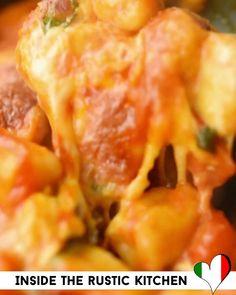 Italian Soup Recipes, Dinner Recipes, Restaurant Recipes, Appetizer Recipes, Vegetarian Pizza Recipe, Vegetarian Stew, Baked Gnocchi, Gnocchi Recipes, Chicken Recipes For Kids