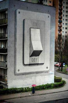 Mural on/off – Pintado pelo artista de rua Escif como colaboração no Katowice Street Art Festival realizado na Polônia.