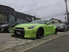 "28 curtidas, 2 comentários - Hajime (@snapcar_jpn) no Instagram: ""Cloudy day but bright color! #liberty #walk #libertywalk #lb #performace #lbp #green #lime #nissan…"""
