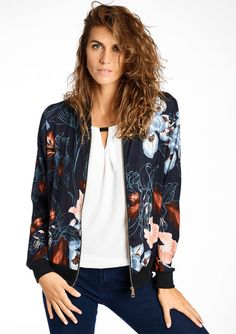 Bomber jacket with floral print #newarrivals #capsulecollection #flowerprints #lolaliza #fashion #lolalizafashion