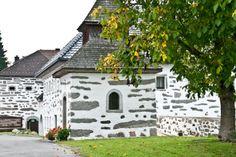 """""""Typische Mühlviertler-Dorfidylle"""" (Bild: Hermann Steindl) Austria, Mansions, House Styles, Pictures, Culture, Viajes, Deco, Kunst, Manor Houses"""