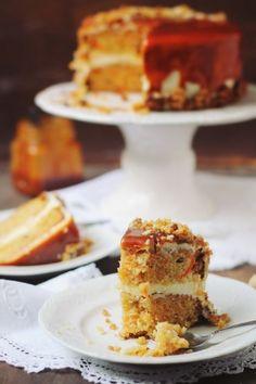Tort de morcovi cu ghimbir Eat Dessert First, Food Cakes, Cake Recipes, Caramel, French Toast, Good Food, Sweets, Baking, Breakfast