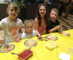 The Australian Hotel and Brewery offers free kids pizza making every Sunday from 5pm. Lots of fun for the family.