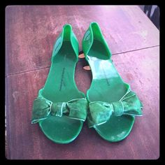 Chinese Laundry flats Plastic flats with bow. Size 8 Chinese Laundry Shoes Flats & Loafers