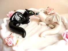 Hey, I found this really awesome Etsy listing at https://www.etsy.com/listing/221047764/dragon-wedding-cake-topper-geek-cake