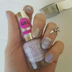 هذه #أظافر اليوم  Lilac and Silver Nails using Alvin D'Or #14 and Golden Rose-Holiday #51