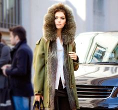 Love the casul but still luxurious fur trimmed Parka! #style #fur #luxury