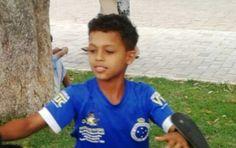 Bombeiros resgatam corpo de menino que morreu afogado no Rio Jequitinhonha, em Itinga