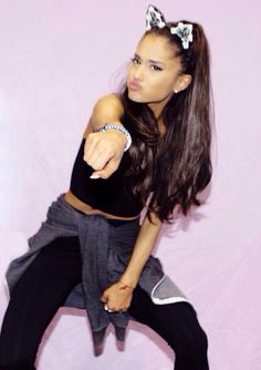 Ariana grande ♡ now watch me do whip!