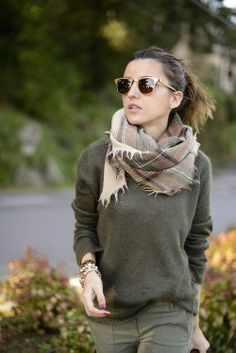 Autum fashion in green and brown, accesories sunglasses and scarf