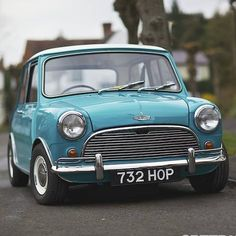 I honestly think that I do just want one of ever car, and this Mini is no exception. Mini Cooper Classic, Classic Mini, Mini Cooper 2017, Classic Cars, Mini Clubman, Mini Countryman, Retro Cars, Vintage Cars, My Dream Car