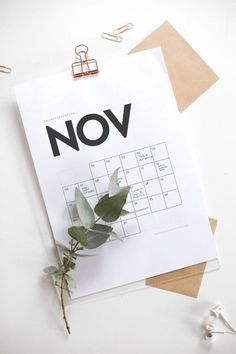2017 Minimalistic Wall Calendar - Free Download! Freebies | Printable calendar | 2017 Calendar | Minimalistic calendar | Free download | Foreign Rooftops