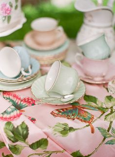 Pride and Prejudice Wedding Inspiration Style Me Pretty garden setting Vintage China, Vintage Tea, Vintage Style, Afternoon Tea Parties, My Cup Of Tea, Pride And Prejudice, Pretty Pastel, High Tea, Marie Antoinette